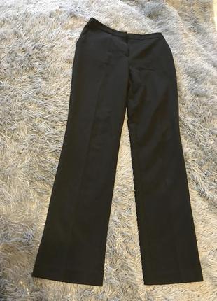 Чёрные  брюки на средней посадке