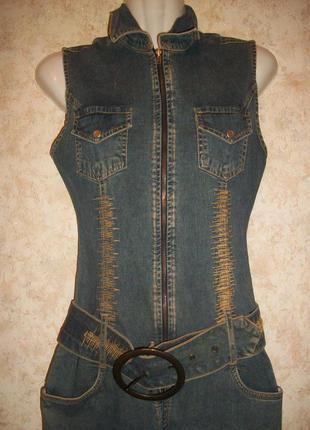 Комбинезон ромпер джинсовый на молнии с вышивкой