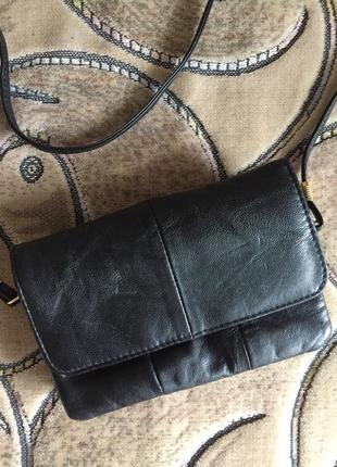 Черный кожаный кошелек на длинной ручке, через плечо
