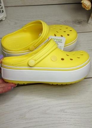 Кроксы на платформе женские crocs crocband platform clog желтые