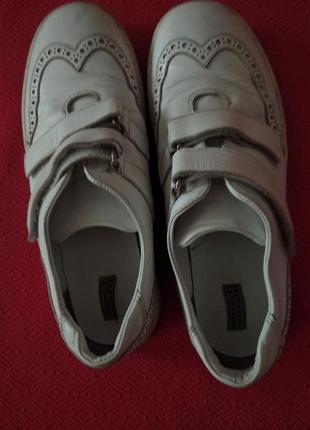 Шикарные кожаные кроссовки