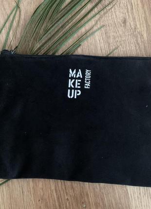 Чёрная бархатная косметичка make up factory