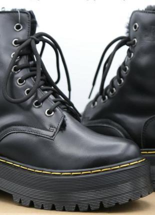 Женские кожаные зимние ботинки dr.martens
