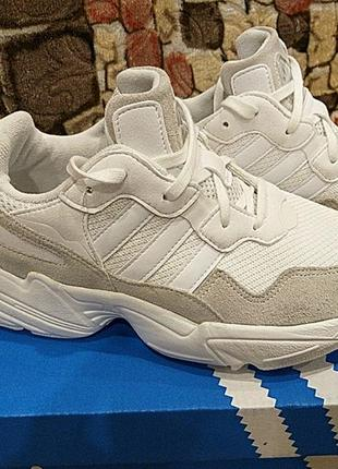 Кроссовки adidas yung-96  j white (  оригинал   ).