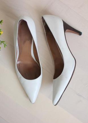 Кожаные туфли лодочки, натуральная кожа полностью, бренд hugo boss 39,5