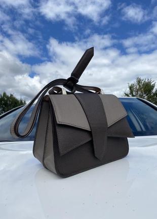 Дизайнерская сумочка из натуральной кожи