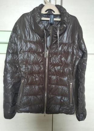 Красивая, лёгкая курточка