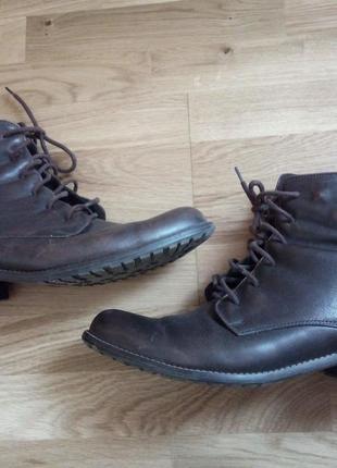 Шикарные демисезонные ботинки 39р, 26см стелька.