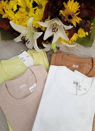 Базовые футболки uniqlo