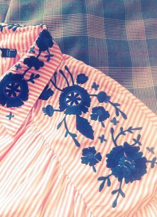 Новая яркая рубашка с вышивкой + жилет в подарок