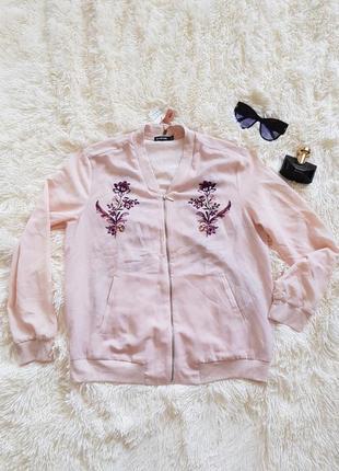 Легкий шифоновий бомбер блуза пудрового кольору з квітами