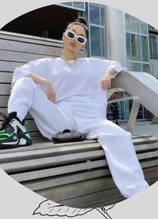 Белые стильные базовые брюки на высокой талии от missguided