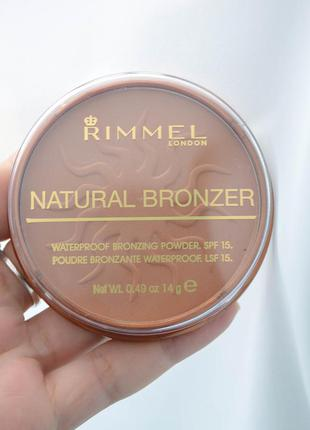 Rimmel пудра natural bronzer бронзер №22