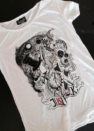 Дизайнерская женская футболка - абсолютный must have!!