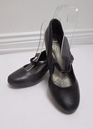 Туфли классика, кожаные с ремешком mary-jane
