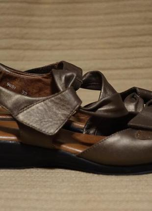 Фирменные бронзово коричневые открытые кожаные босоножки ara германия 39 р. ( 24,7 см.)