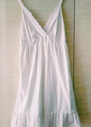 Хлопковое платье, свободного кроя.