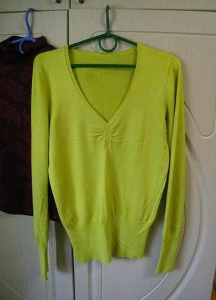 Яркий женский свитер кислотного цвета  в идеальном состоянии р.46