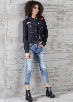 Куртка джинсовая с аппликацией