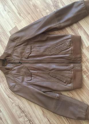 Куртка женская-бомбер