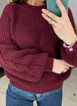 Красивый теплый вязаный свитер без горловины