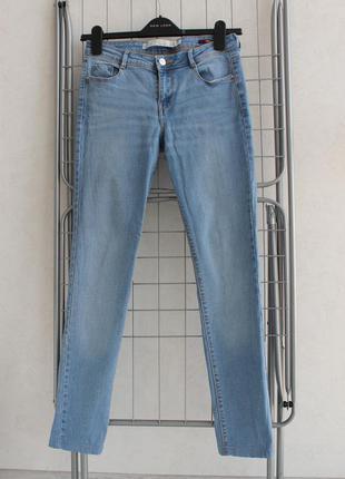 Голубые скинни узкие джинсы zara