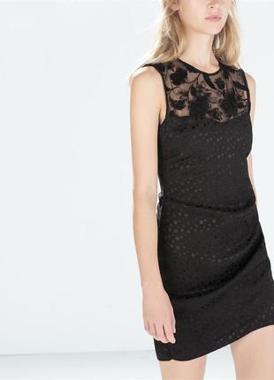 Черное платье футляр без рукавов zara