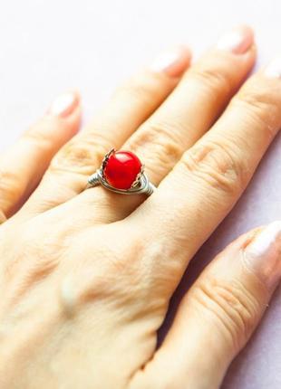 Кольцо ручной работы красн колечко ювелир проволка корал бижутерия