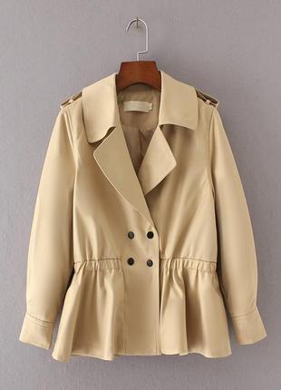 Куртка-ветровка с баской, замеров нет