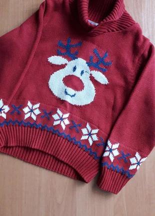 Нарядный свитер с оленем для ребенка 3-4 лет.