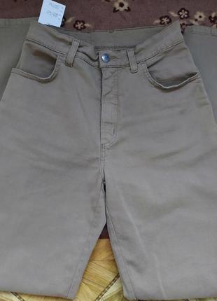 Брюки защитного цвета (джинс)