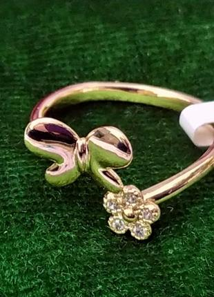 Кольцо р.17 - бабочка с цветочком. цирконы, позолота, xuping