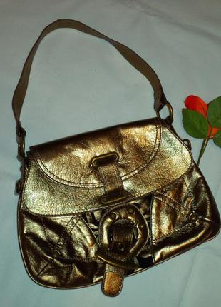 Шикарная сумочка золотистая