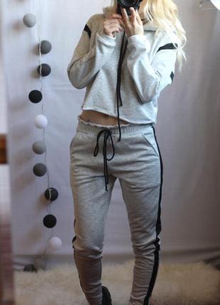 Актуальний костюм на ріст 150-160