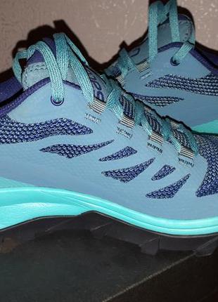 Супер качественные непромокаемые кроссовки от французского бренда salomon