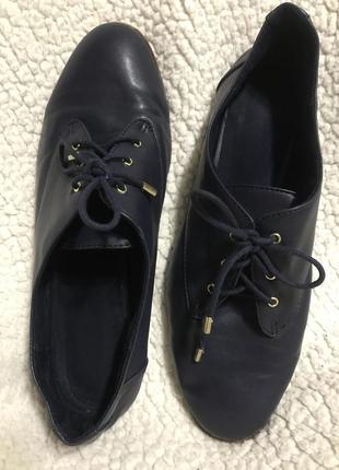 Кожаные туфли на кожаных шнурках