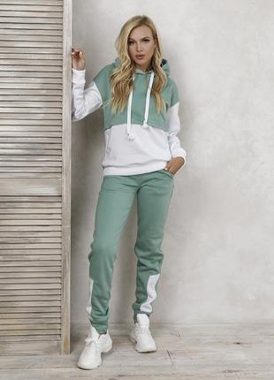 Зелено-белый утепленный костюм на флисе, жіночий теплий спортивній костюм