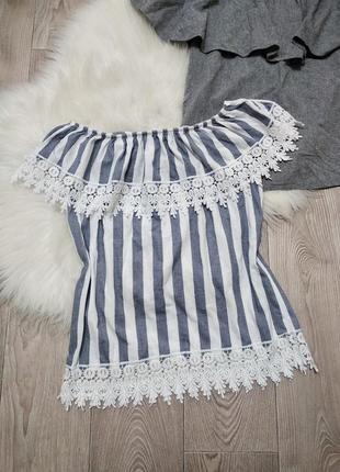 Женская футболка кофточка блуза с открытыми плечами кружевом рюшей на резинке