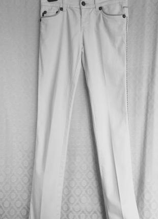 Крутейшие белые джинсы узкие, прямые