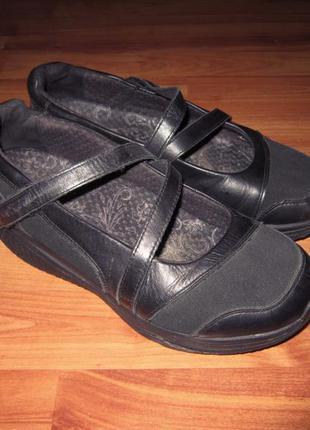 Физиологические туфли  skechers shape up