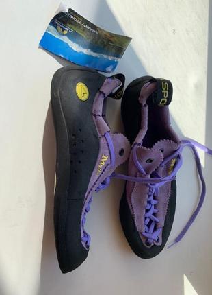 Продам скальные туфли3 фото
