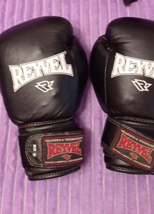 Перчатки и шлем для бокса или карате