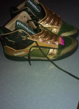 Ультрамодные кроссовки фирмы reebok
