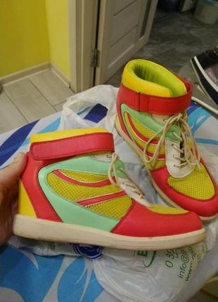 Сникерсы, кроссовки на платформе