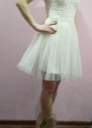 Роскошное платье по приемлемой цене