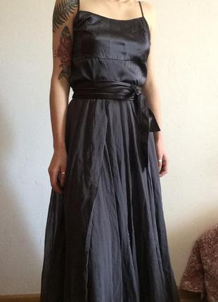 Шикарное платье, можно как вечернее или выпускное