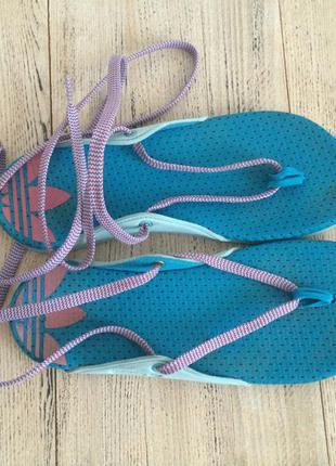 Шлепанцы вьетнамки тапочки сандалии adidas