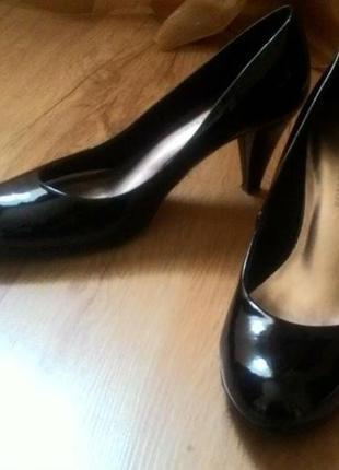 Туфлі- лодочки