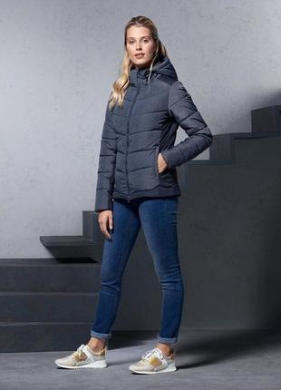 Фирменная зимняя куртка от tcm tchibo.