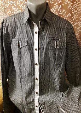 Абсолютно новая рубашка ,производство турция